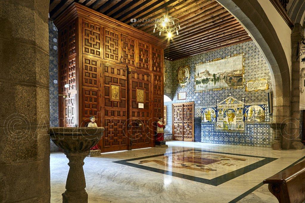 Entrada de la basílica Ntra. Señora del Prado.